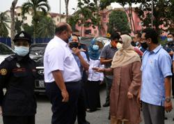 More orderly Ramadan bazaars expected in five or six days, says Zuraida
