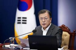 S.Korea's Moon replaces PM, cabinet ministers after election defeat