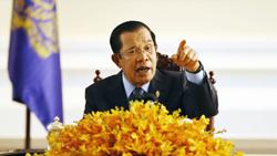Cambodia: Hun Sen wants all to obey rules or lockdown will be extended as cases in capital continue to soar