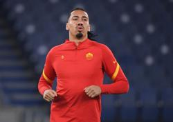 Soccer: Roma's Smalling says family shaken up but unharmed after being robbed