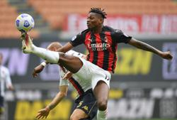 Soccer-Nervy Milan return to winning ways against Genoa