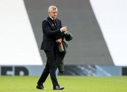 Soccer-Mixed feelings for Solskjaer after United down Burnley