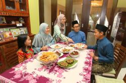 How to make Hari Raya favourites like rendang tok and kuih bakar