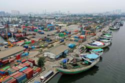 Indonesia's export value hit decade-high in March