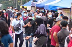 Melaka police chief: Level of SOP compliance at Ramadan bazaars disappointing