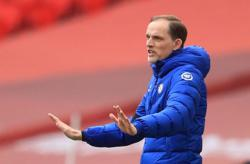 Soccer-Tuchel backs Chelsea to make right decisions amid Super League uproar