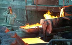 Bullish investors push copper price towards 10-year highs