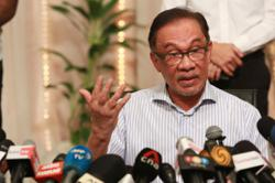 Do more to accelerate vaccine rollout, says Anwar