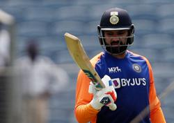 Mumbai captain Rohit urges batsmen to step up after second loss