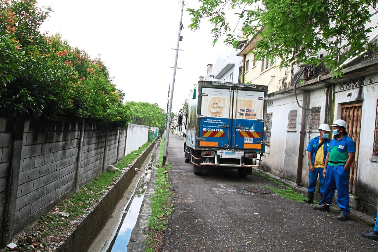 The backflow from the sewerage system in Petaling Garden is so bad that residents have to ask IWK to carry out desludging.