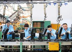 Factory output revives in China