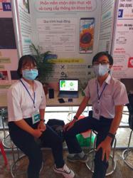 Vietnam students invent plant identification app