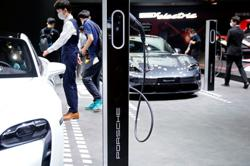 Huge global disparities in electric car ownership - study