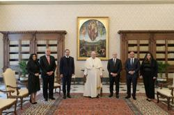 Pope promises Lebanon visit, calls for end to political deadlock