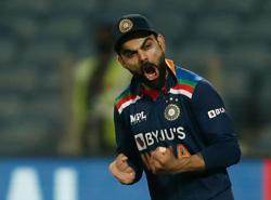 Kohli becomes first batsman to score 6,000 IPL runs