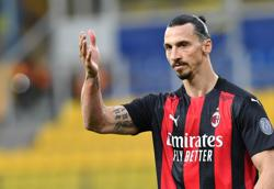 Ibrahimovic agrees contract extension with AC Milan