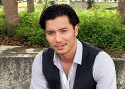Fattah Amin wins Best Actor at World Film Carnival, Singapore