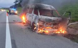 Eight unharmed after van bursts into flames along NSE near Kulai