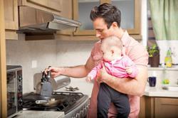 Feeding your child homemade baby food