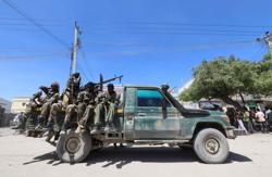 Somalia's ex-leader says soldiers attacked his residence, says president to blame
