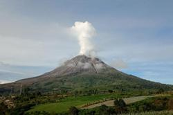 Indonesia's Mount Sinabung erupts, spewing ash up to 1,000 meters