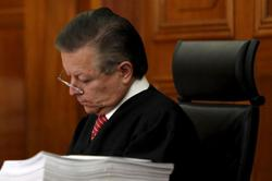 Mexico president defends Supreme Court chief justice's term extension