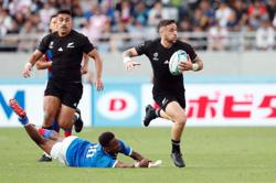 Rugby-All Black Perenara confirms interest in league switch