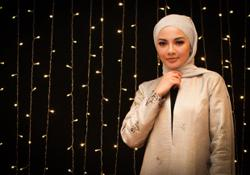Neelofa offers to pay burger seller's compound