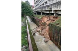 Landslide near high end condo in Damansara Perdana worries residents