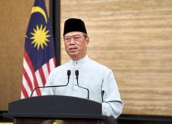 PM: Read and understand essence of the Quran