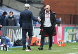Soccer-Guardiola declares love for departing Aguero after Palace special