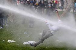 Police break up Brussels anti-lockdown party