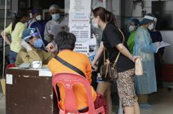 Philippine govt to deploy 5,754 more contact tracers in Metro Manila to contain Covid-19 pandemic