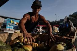 Indonesia aims to cut spending, budget deficit in 2022