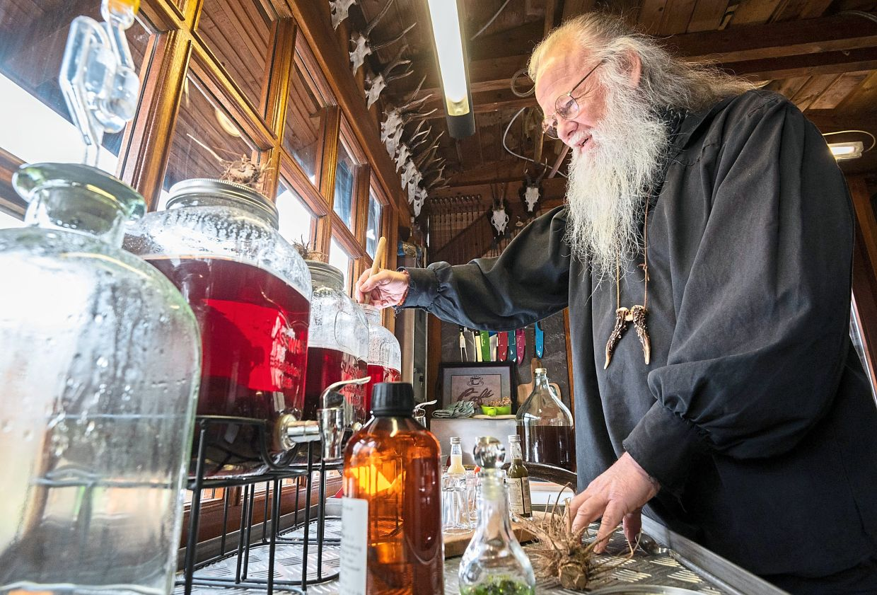 Though he says he is not a pharmacist nor an alternative practitioner, Vom Berch knows how to mix together some 30 tinctures, elixirs and drinkable potions.