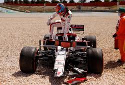 Motor racing-Alfa Romeo fail to overturn Raikkonen's Imola penalty