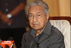 Police should stand up to politicians when it's a matter of doing the right thing, says Dr M