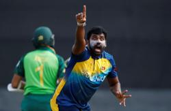 Cricket-Sri Lanka's Perera announces international retirement