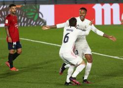 Soccer-Talking points from the weekend in La Liga