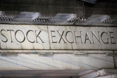 Photo of US, Europe stock markets fall 0.5% in minutes, leaving traders perplexed
