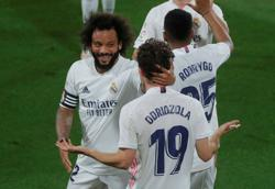 Soccer-Real Madrid's Marcelo tackles election duties before Chelsea clash
