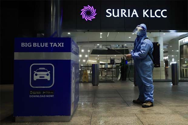 KLCCP Stapled noted that the performance of its retail segment (Suria KLCC and retail podium of Menara 3 Petronas) is significantly dependent on the consumers' spending behaviour as well as the restrictions imposed to control the pandemic.