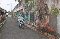 Lingering allure of mural