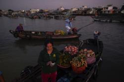Vietnam intensifies border checks to stem 'very worrisome' outbreak