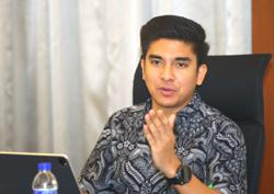 Syed Saddiq threatens legal action against those spreading lewd screenshot