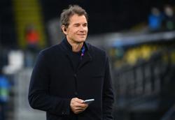 Soccer-Hertha sack ex-Arsenal keeper Lehmann for racist message