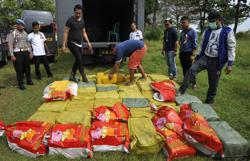 Indonesian cops make huge catch after seizing 580kg of crystal meth from international syndicates as Covid-19 cases total hits 1,691,658
