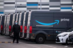 Amazon work rules govern tweets, body odour of contract drivers