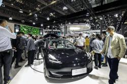 Tesla to set up database in China so drivers can access facts