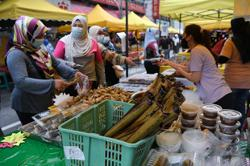 Ramadan, Aidilfitri bazaars in KL allowed to operate, says FT Minister